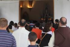 A Missa foi concorrida e muitas pessoas ficaram fora da Capela