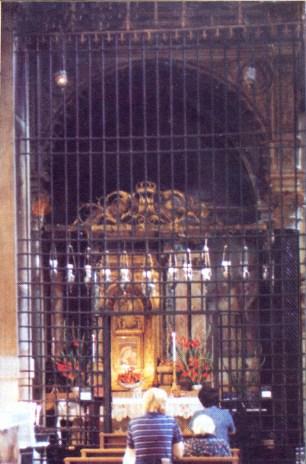 capela onde se venera o afresco de Nossa Senhora do Bom Conselho