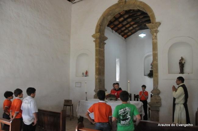 Pe. Santiago Canals celebra Missa na Capela dos Mártires de Cunhaú