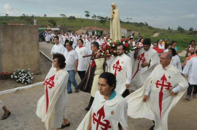 Procissão com os Arautos do Evangelho na Vila de Santana - São Joaquim do Monte - PE