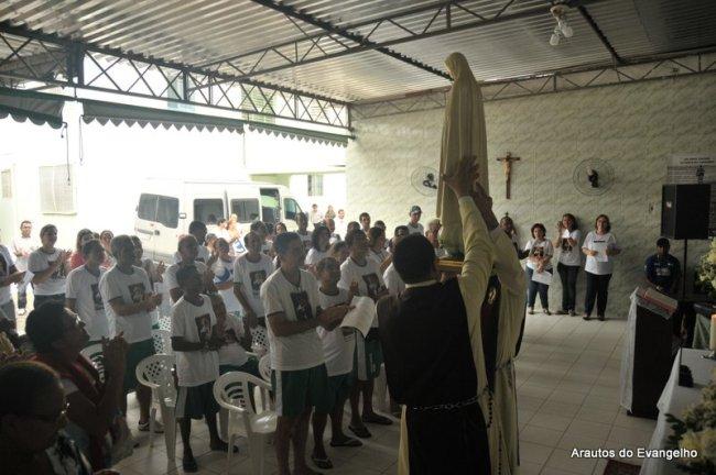 Visita da imagem peregrina do Imaculado Coração de Maria ao Hospital APAMI - Vitória de Santo Antão