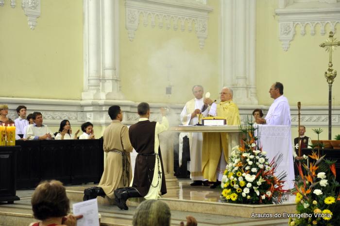 Missa da Vigília Pascal na Catedral Metropolitana de Vitória