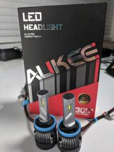 AUKEE HEAD LIGHTS