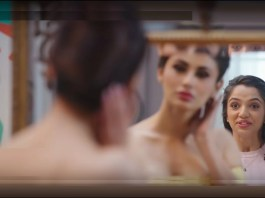 image-JOY-New-Brand-Campaign-Mouni-Roy-Mediabrief