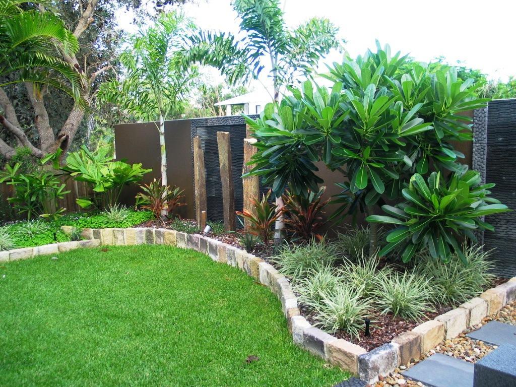 Garden Edge Ideas 15 Must See Plastic Garden Edging Pins Lawn