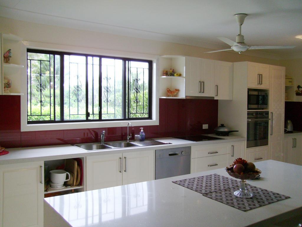 Do You Need A Kitchen Window Splashback Au