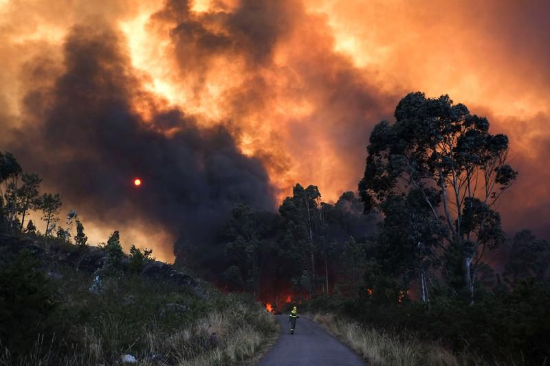 082913_Spain_Portugal_Fires_08.JPG
