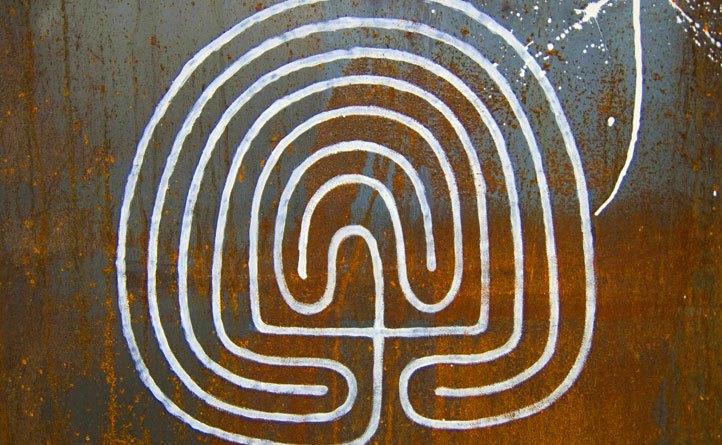 Labyrinthe mantra - Google a tué le cyber-flâneur - mediaculture.fr