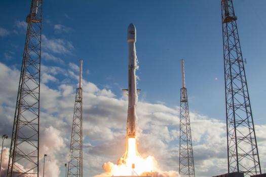 WATCH LIVE: SpaceX Launches Falcon Heavy Rocket | KUT