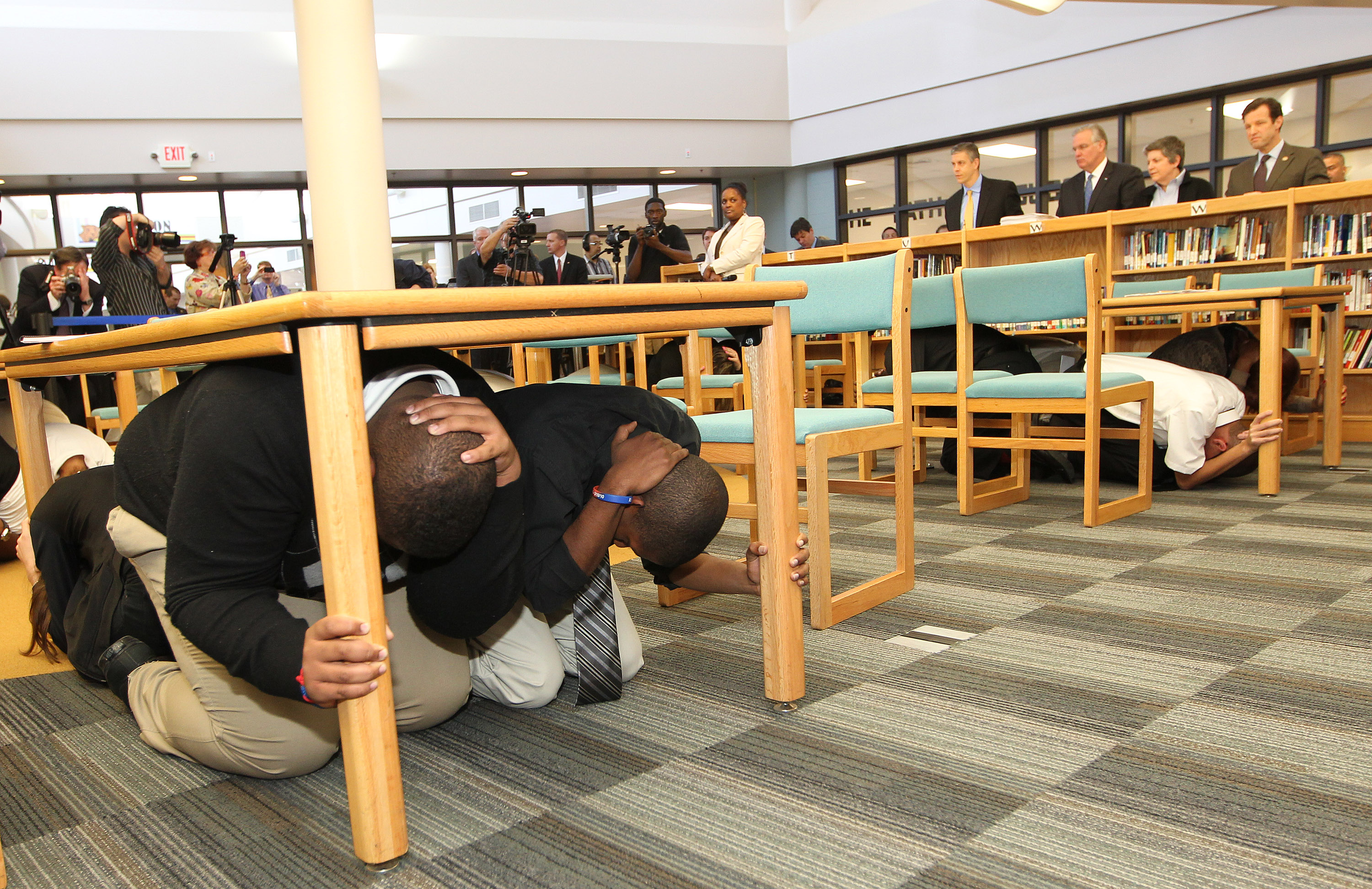 Slps Students Use Great Shakeout To Practice Earthquake