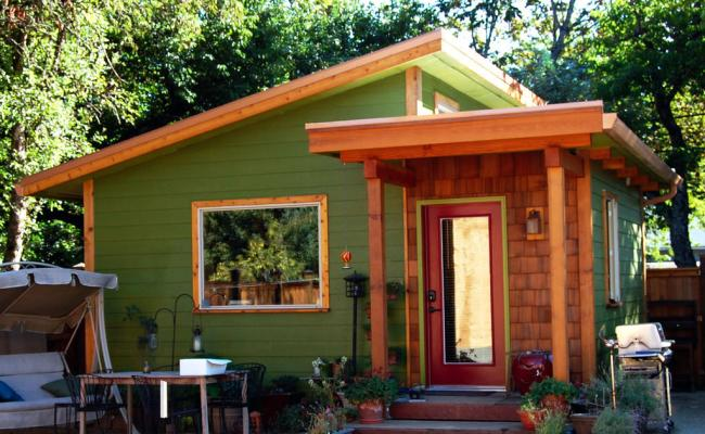 Building Up Tiny Houses To Break Down Asset Inequality