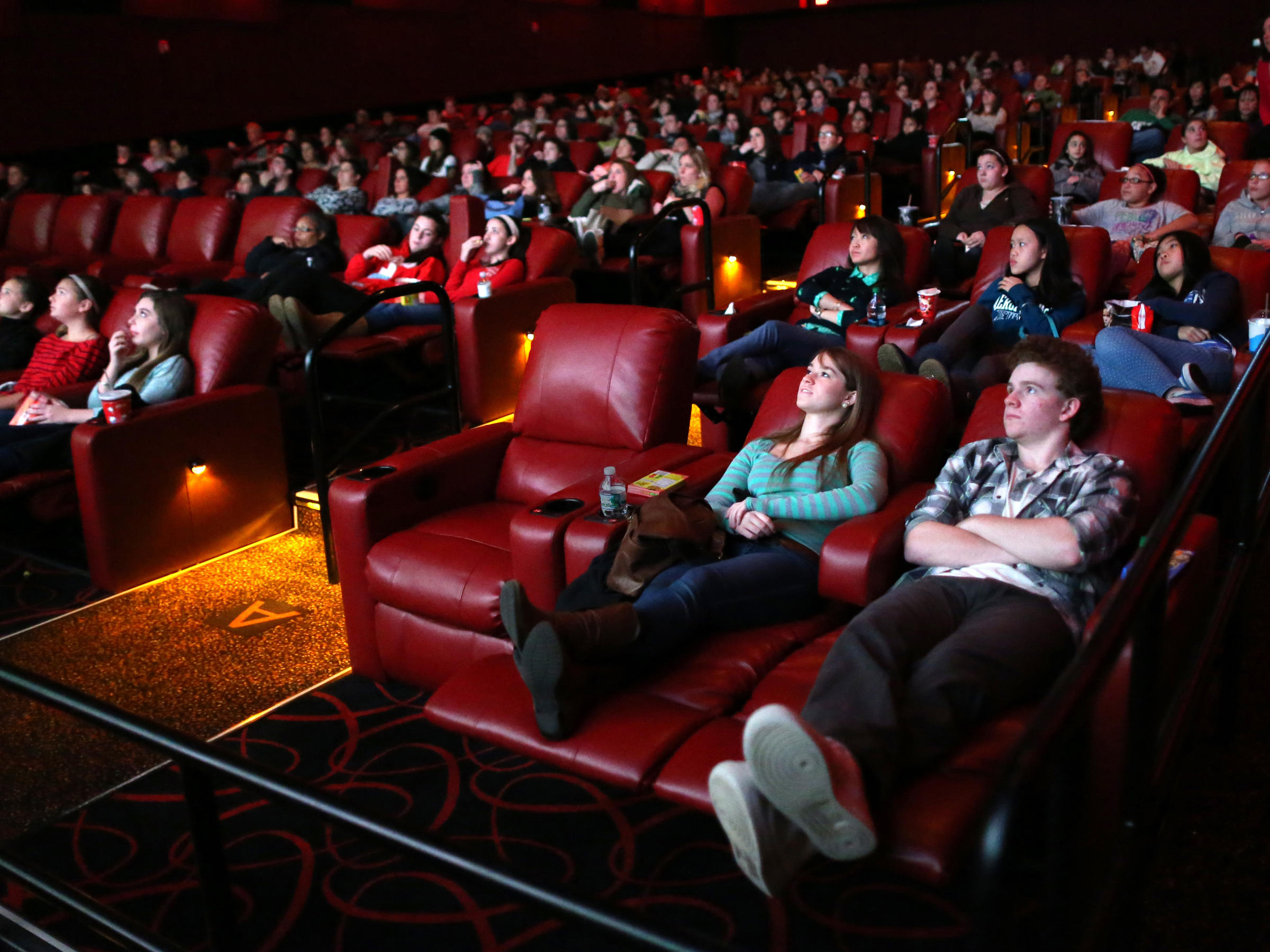 Reclining Chair Movie Theater Blade Runner 2049 And The Theaters That Shake Your Groove Thing