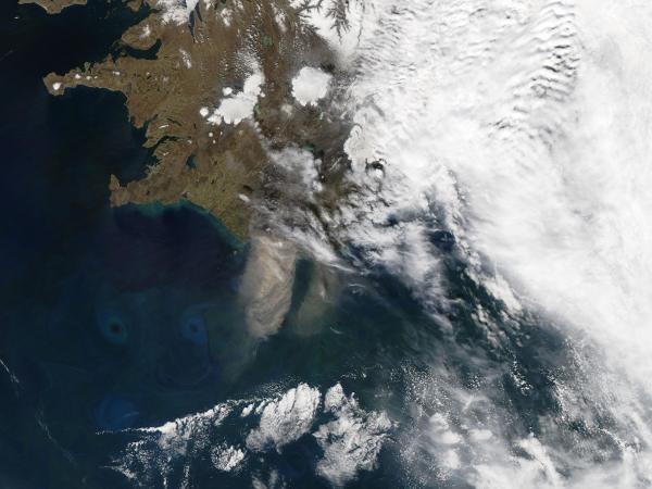 Brink Of Eruption Icelandic Volcano Halt Air Travel Floods Upr Utah
