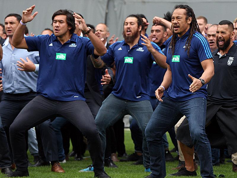 Trnen und Haka bei Lomus Beerdigung  Mehr Sport  kicker