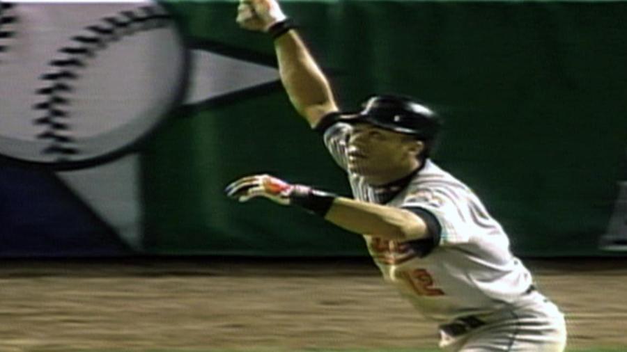 Alomar's three hits