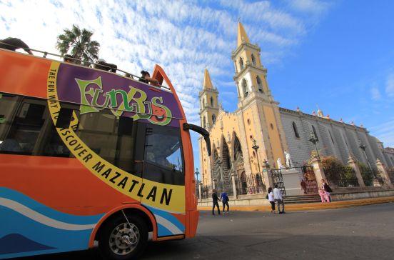 Tour de la ciudad de Mazatlán por FunBus