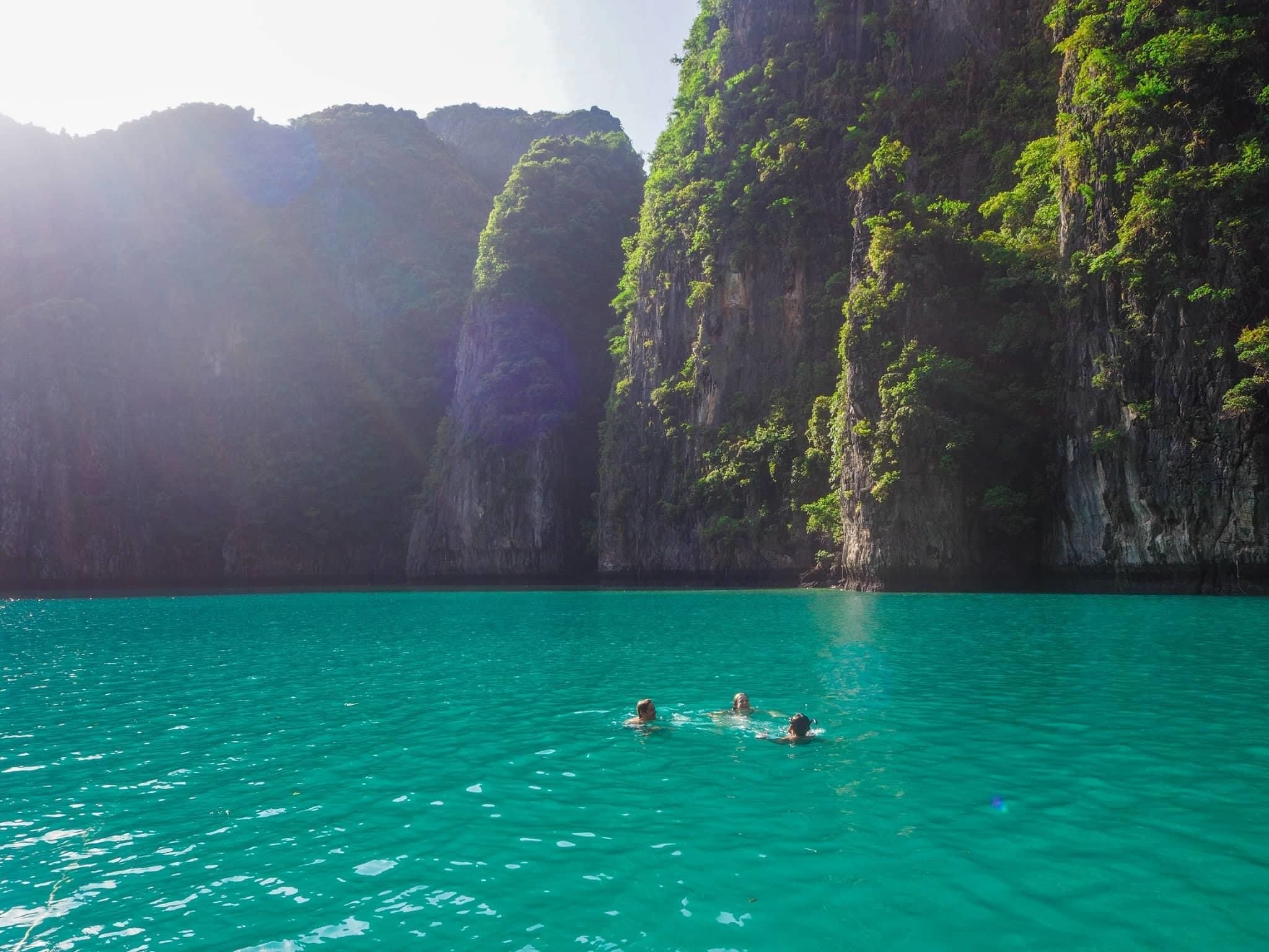 Phuket - Phi Phi Ferry Schedule - Ferry Services to Phi ...