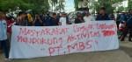 Massa aksi Kontra PT MBS,