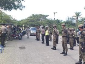 Apel bersama tim gabungan razia di depan kantor Satpol PP kabupaten Kolaka Utara