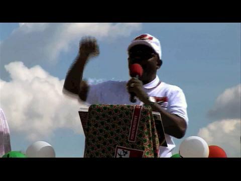 Le Burundais Nkurunziza lance sa campagne présidentielle dans un climat tendu