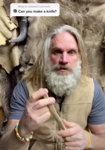 Блогер превратил кость в красивый нож. У людей два вопроса — как пещерный человек дожил до 2020 и чья это нога