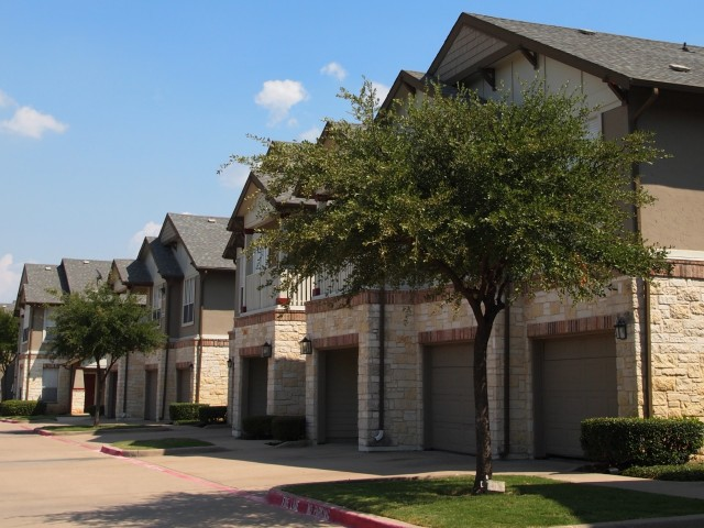 Apartments With Attached Garages In Plano Tx
