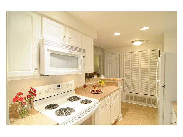 Fully Equipped Kitchens In Our Richmond Apartments At Cameron Kinney