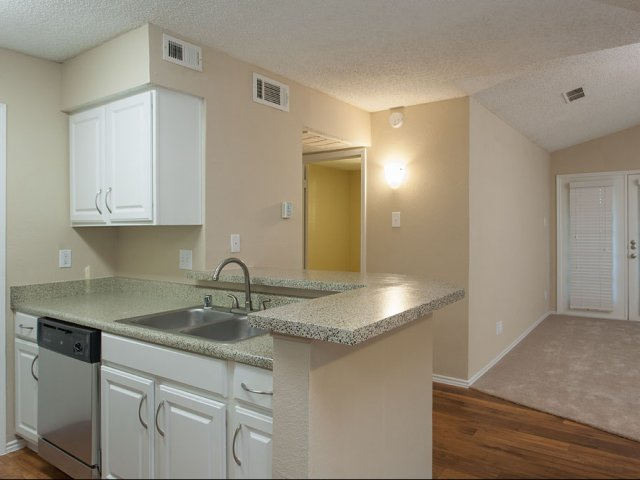 Summers Crossing  Apartments for Rent in Plano Texas