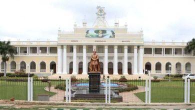 Photo of മൈസൂരു പീഡനം: വിവാദ തീരുമാനവുമായി സർവകലാശാല; വിദ്യാർഥിനികൾ ഒറ്റയ്ക്ക് പുറത്തിറങ്ങുരുതെന്ന് നിർദ്ദേശം