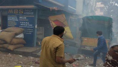 Photo of ബാംഗ്ലൂരിൽ ട്രാൻസ്പോർട്ട് കമ്പനി ഗോഡൗണിനുള്ളിൽ സ്ഫോടനം; മൂന്ന് പേർ മരിച്ചു; അന്വേഷണം തുടരുന്നു