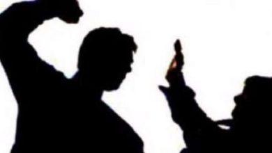 Photo of ജൂനിയർ ഹെൽത്ത് ഇൻസ്പെക്ടറെ മർദ്ദിച്ചു ; നഗരസഭാ സെക്രട്ടറിക്കെതിരെ പരാതി