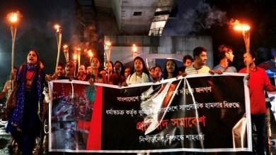 Photo of ബംഗ്ലാദേശിലെ വര്ഗീയ കലാപം, 71 കേസുകള് രജിസ്റ്റര് ചെയ്തു; 450 പേര് അറസ്റ്റില്