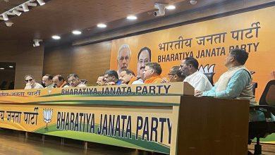 Photo of ജമ്മു കശ്മീർ നാഷണൽ കോൺഫറൻസ് നേതാക്കൾ ബിജെപിയിൽ ചേർന്നു; ജമ്മു കശ്മീരിൽ പ്രധാന രാഷ്ട്രീയ കക്ഷിയായി മാറാൻ ബിജെപി
