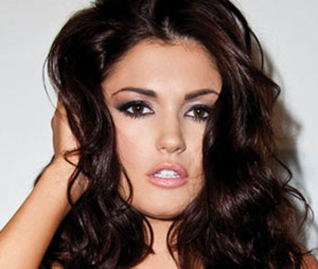 Is The  Year Old Model Officially Back On The Market India Reynolds