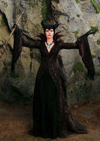 10 Once Upon a Time Characters We Love to Hate