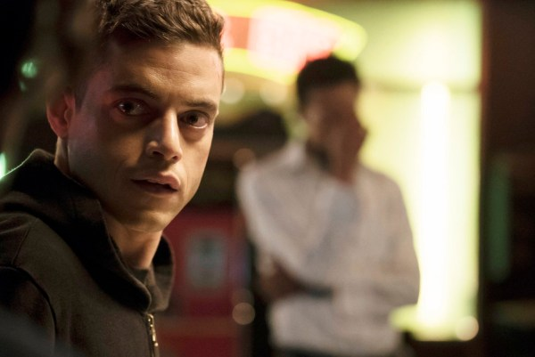 "MR. ROBOT -- ""da3m0ns.mp4"" Episode 104 -- Pictured: Rami Malek as Elliot -- (Photo by: Virginia Sherwood/USA Network)"