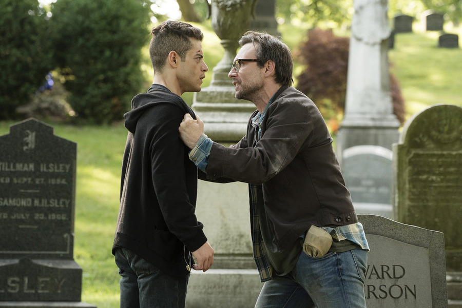 MR. ROBOT -- Episode 109 -- Pictured: (l-r) Rami Malek as Elliot Alderson, Christian Slater as Mr. Robot -- (Photo by: Virginia Sherwood/USA Network)