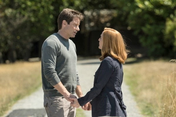 "David Duchovny and Gillian Anderson in the ""Babylon"" episode of THE X-FILES"