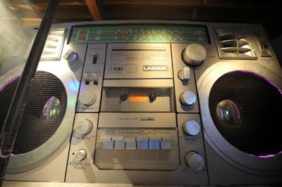 Report Claims People Still Discover New Music Via Old Media