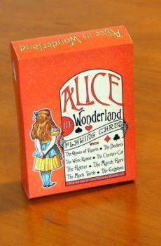 Cărţi de joc din lumea lui Alice