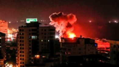طيران حربي مجهول المصدر يضرب الكلية الحربية في حلب