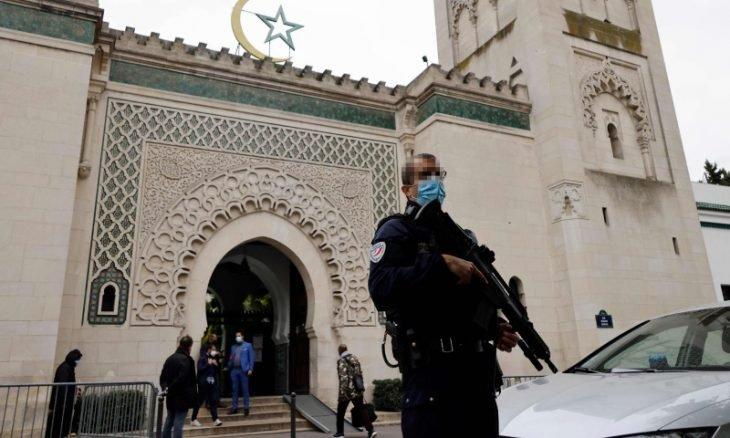 إغلاق 17 مسجداً في فرنسا والعدد مرشح للزيادة
