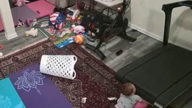فيديو صادم لطفل ابتلعه جهاز المشي الرياضي داخل منزله