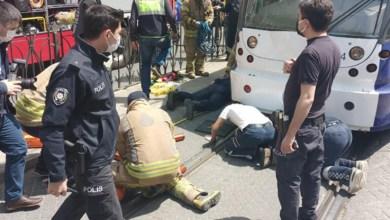 سقوط شخص أسفل عجلات الترام فاي في منطقة الفاتح