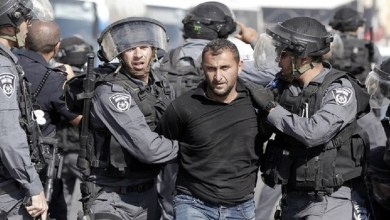 """إسرائيل تعتقل العشرات من الفلسطينيين بينهم قيادي في حركة """"حماس"""""""