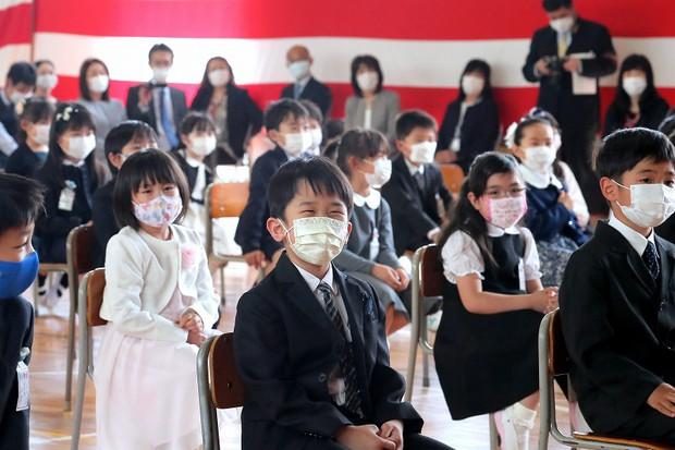 التباعد الاجتماعي لدى الاطفال يقلق العلماء