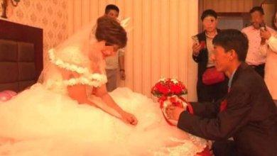رجل صيني يتفاجأ بمشاهدة مقطع مصور لزوجته متزوجه برجل ثاني