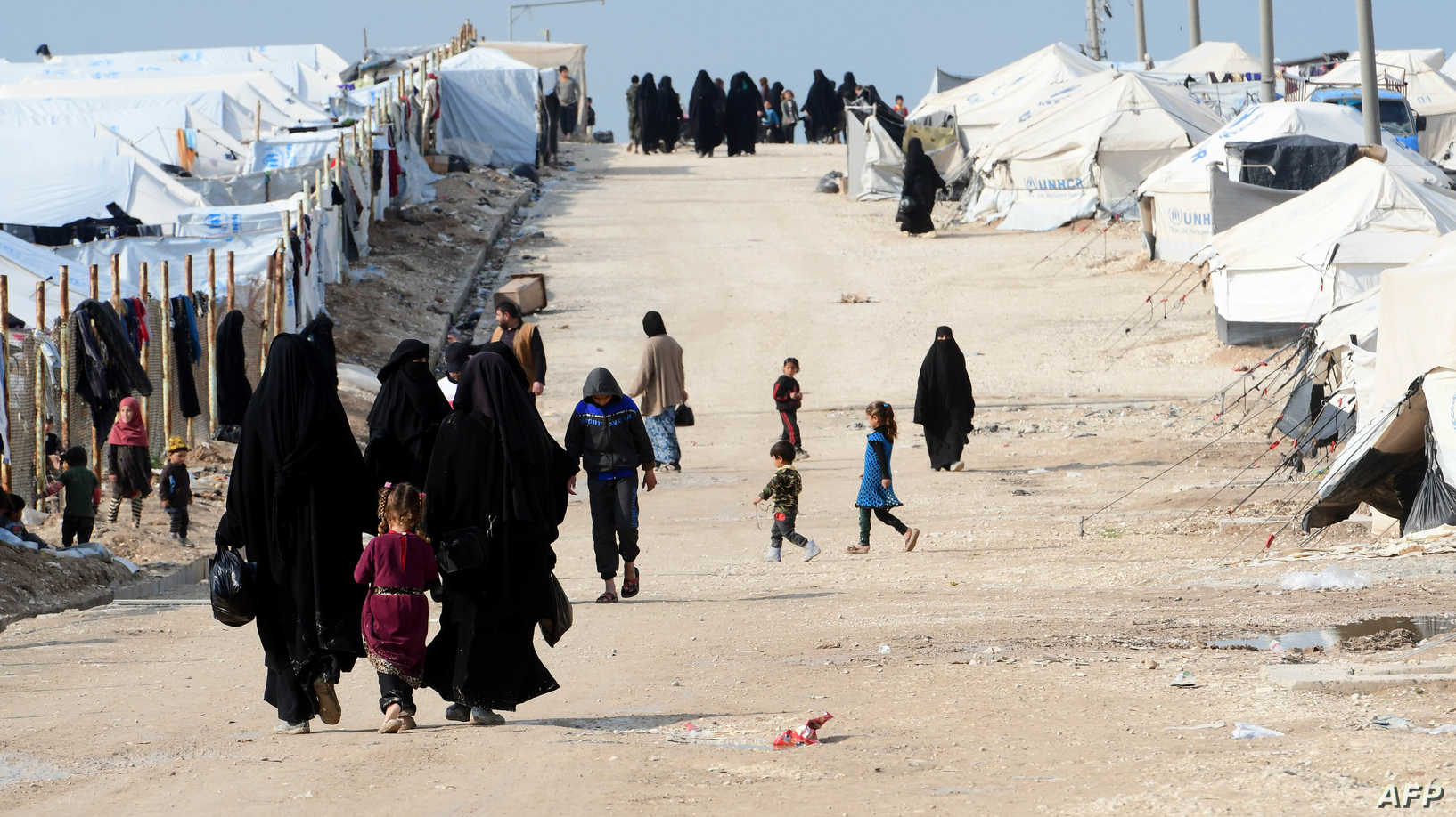 """82 عائلة سورية تستعد لمغادرة """"مخيم الهول"""" باتجاه الرقة"""