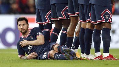"""نيمار يعلق """"ساخراً"""" على اللقطة الطريفة لميسي في مباراة مانشستر سيتي"""