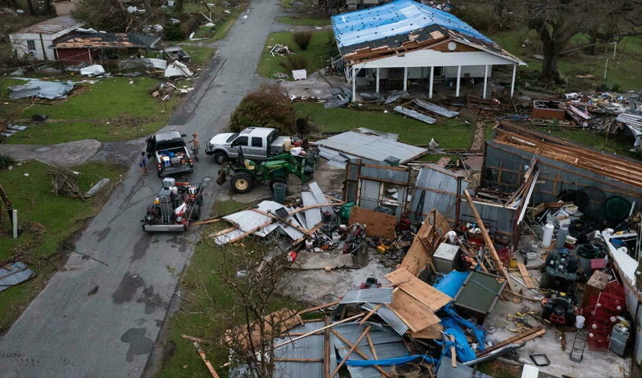 """إعصار """"إيدا"""" يحصـ.ـد أرواح 8 أشخاص في ولايتي نيويورك ونيوجيرسي الأمريكيتين"""